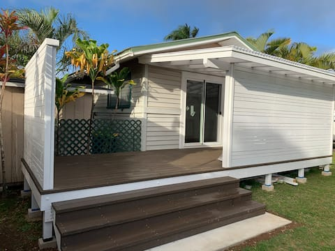 Perfect Location, Very Clean, Beachy 1BR Cottage