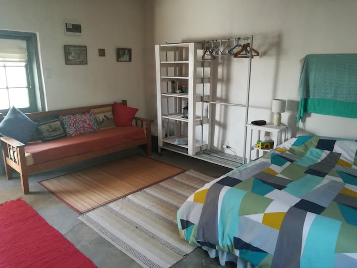 Hope Cottage, tranquil and cosy Karoo charm.