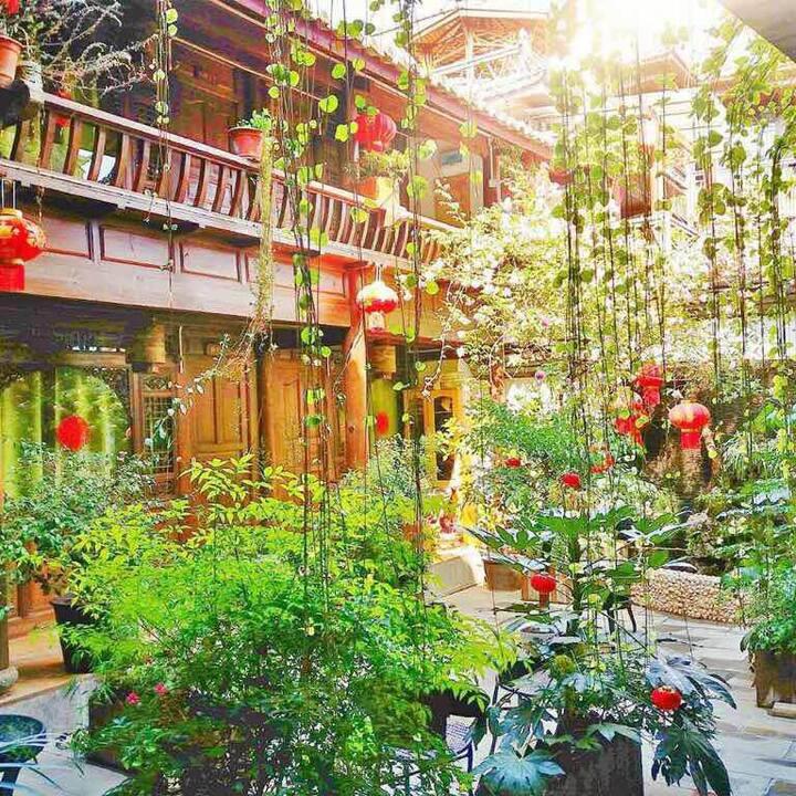 丽江古城怡园庭院精品店  甜蜜大床房