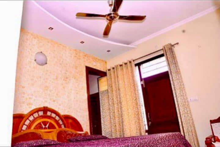 4bhk family house|room1|Pinjore Great location