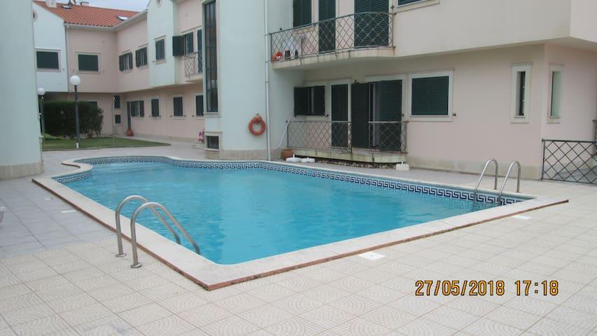 Excelente apartamento T3 com piscina