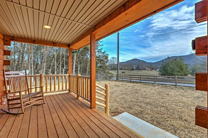 Shenandoah Cabin w/Patio & Mountain Views!
