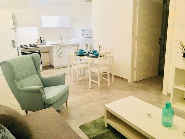 Boutique apartment 200 mts from the beach (B)