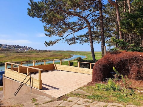Holiday rental Sea view and river Les Ondines