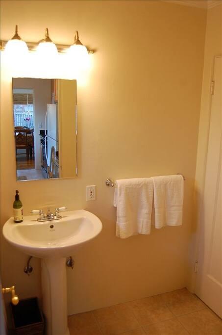 Pedestal Sink in bathroom