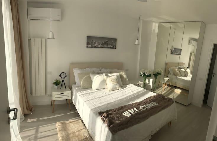 Metropole Apartments -Atheneum