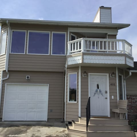 Private upstairs unit with own entrance.