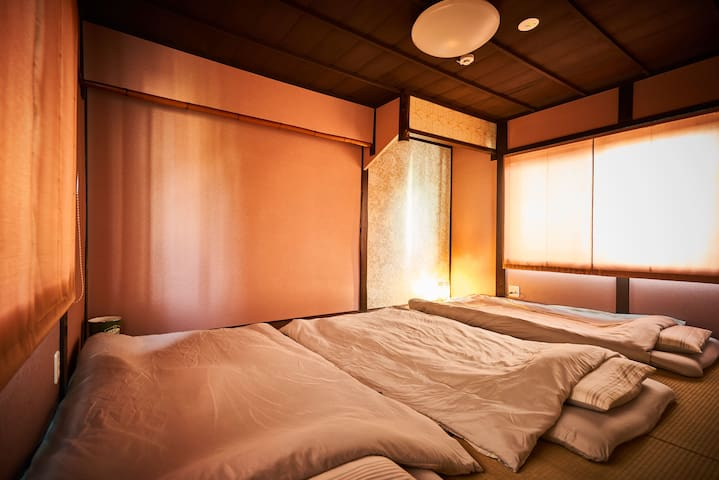 二階和室(寝室)