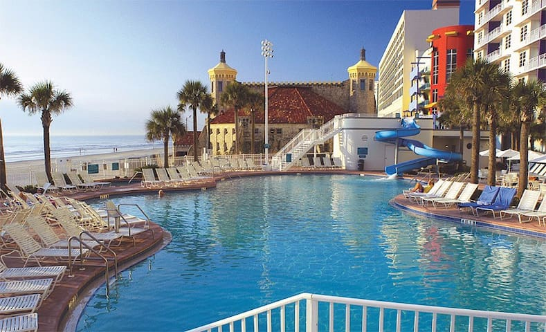 1 bdrm condo at Wyndham Ocean Walk* - Daytona Beach - Lägenhet