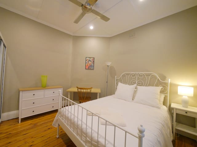 Private room - Cowra 1