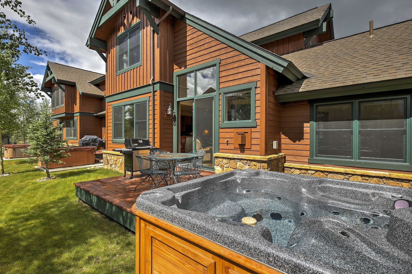 Experience peace amidst a gorgeous mtn setting at this 3-bed vacation rental!
