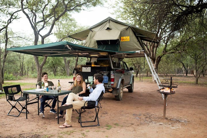 Africa ready expedition vehicle - Kruger Park - Tent