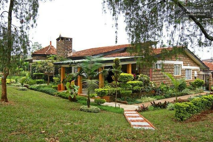 LORESHO HOUSE * Cottage Annexe 2