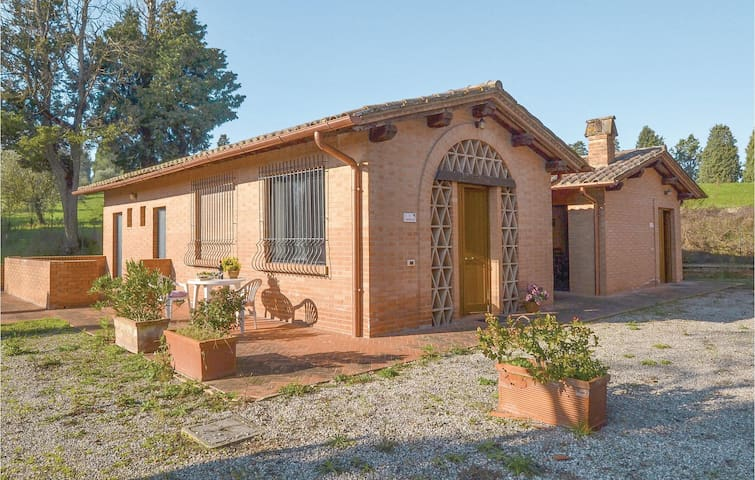 Holiday cottage with 2 bedrooms on 75m² in Montepulciano (SI)