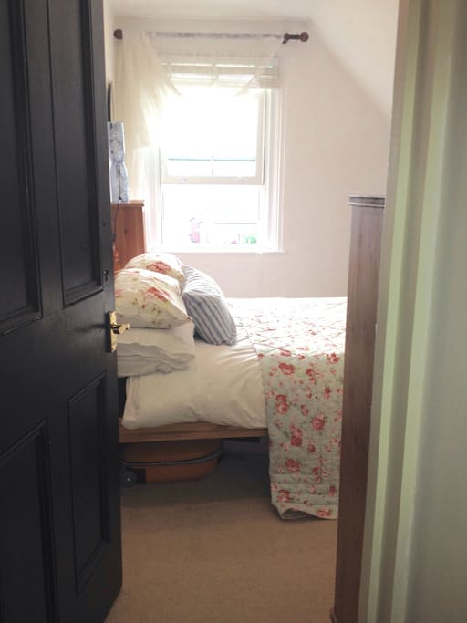 You will stay in a pretty, bright and characterful room overlooking the Solent.