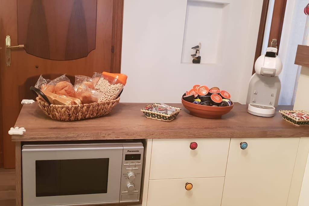 Angolo cucina/porta d'ingresso