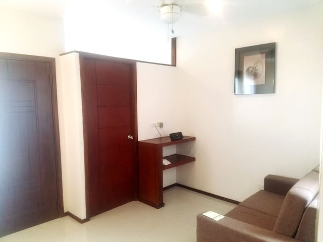 Fully Furnished 2 Bed Room Pod Unit in Talisay - Talisay - Apartamento