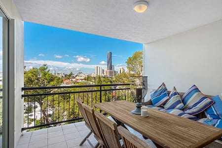 Gorgeous Inner City Apartment - Spring Hill/Valley