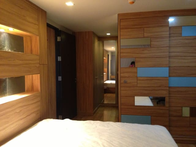 Best Price Large&Cozy whole unit in cool vibe Ari