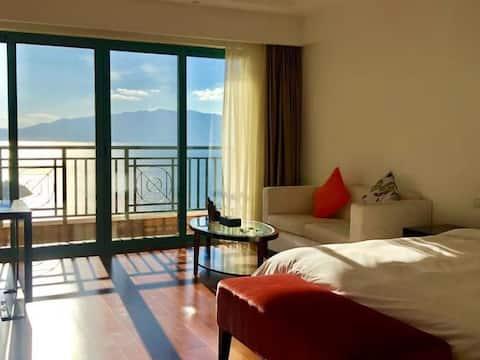 抚仙湖风景区无敌湖景酒店式公寓大床房、希尔顿对面、太阳山峡谷公园旁,近樱花谷