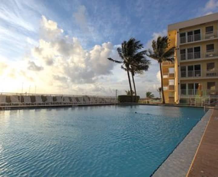 Sea Garden/Pompano Beach  resort studio unit- max2
