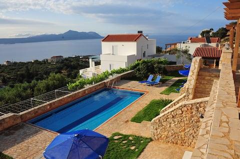 ELICHRISO  Traditional Cretan Home