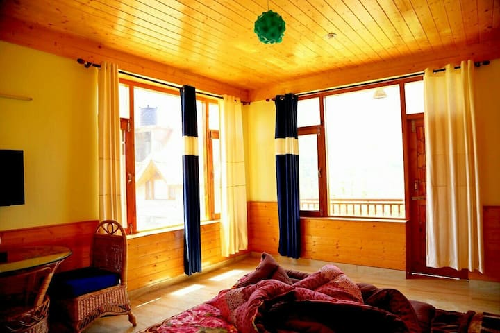 A Luxury 3 bedrooms Cottage - Manali - Hus