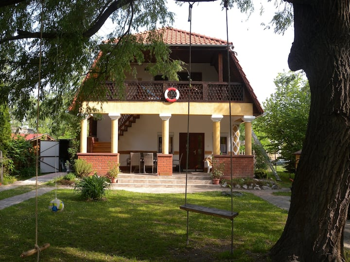 apt for 6 persons in Balatonmáriafürdő R82050