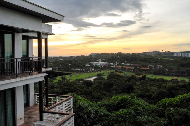 Modern villa on Mount Luho with great views - Malay - Villa