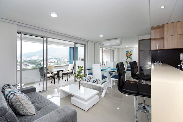 Luxurious penthouse in flora with the best view.