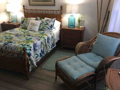 Private, Cozy, Bed 'n Bath in Naples, Florida