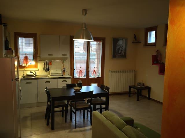 Appartamento pratico e funzionale - Poggibonsi - Apartamento