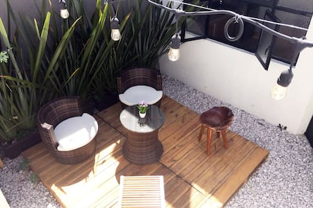 Weekly bookings, CENTRO apartment, parking & patio