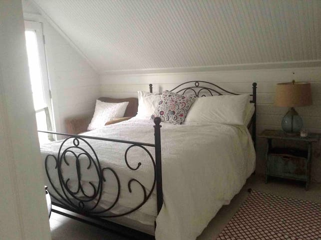A beautiful double bedroom in a 2 bed cottage