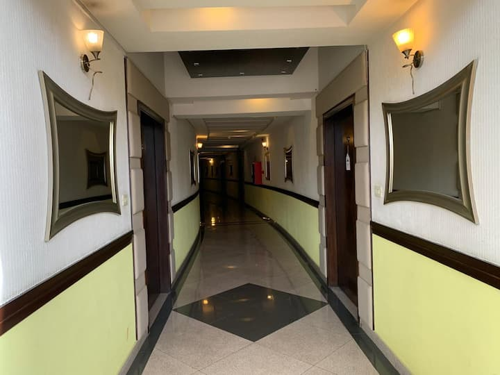 Luxury Apartment in a Peaceful & Vibrant Locality