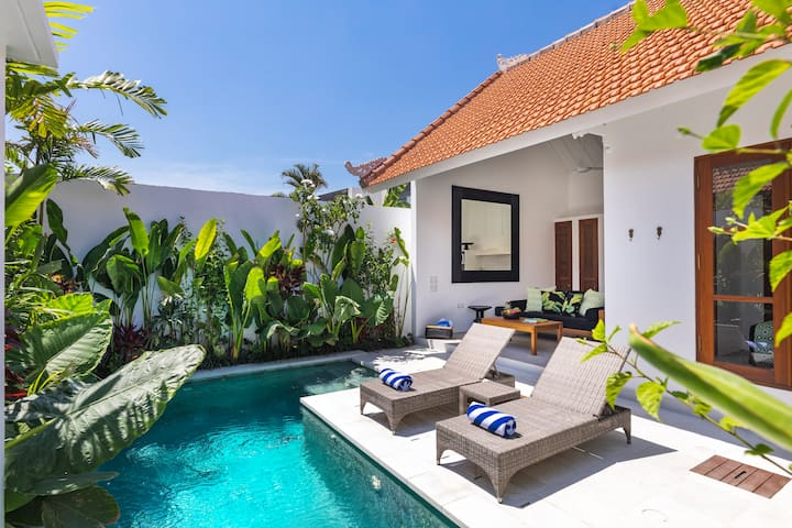Hide away in this romantic Seminyak 1BR gem