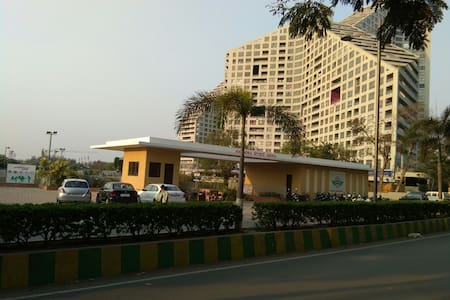 Family Apartment In Amanora(pure veg only)