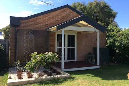 Hidden Gem in the Heart of Town - Busselton - Appartement