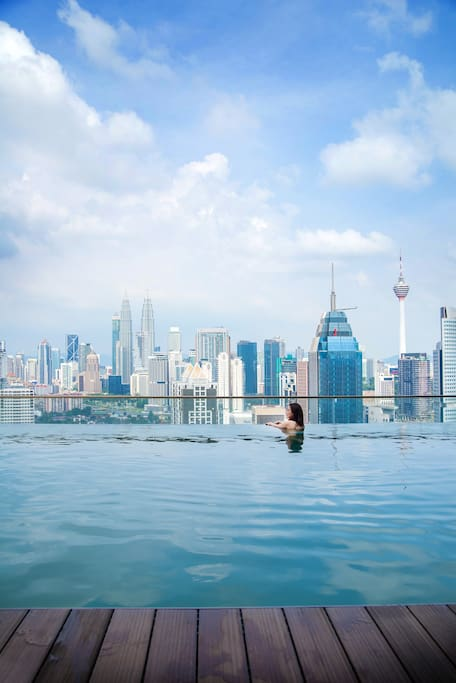 Breath Taking Infinity Kuala Lumpur rooftop Pool View 无边吉隆坡全景顶楼泳池