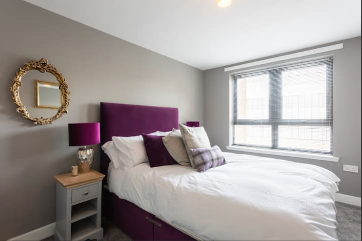 Room in the heart of Finnieston!