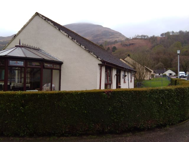 Kinlochmore B&B twin room. Breakfast included