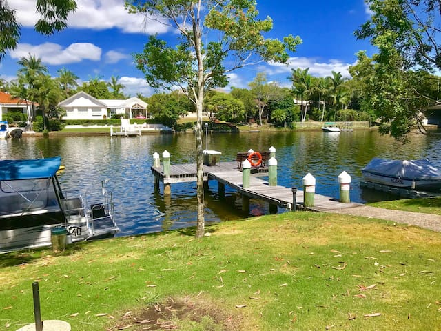Noosa Waterfront Townhouse