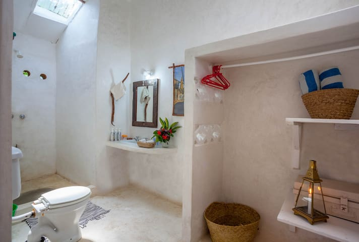 Ensuite bathroom with hot water shower