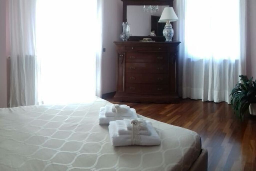 "Camera doppia ""Luce"" / Double Bedroom ""Luce"""