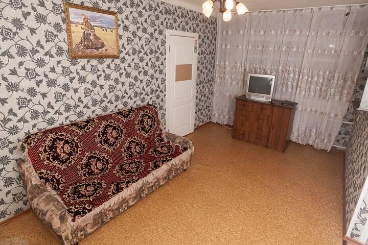 2-комнатная квартира посуточно - Красноярск - Huoneisto