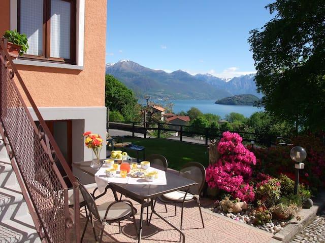 Casa Azalea: vista Lago di Como - Cremia, Como - House