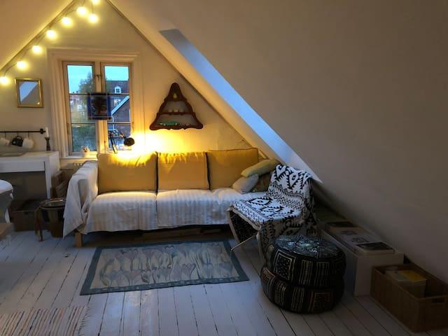 LOFT - cosy & compact with kitchenette, villa-area