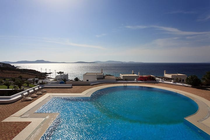 Villa with sunset views, large bedrooms, huge pool - Mikonos - Villa