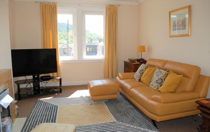 SUMMERFIELD No 1  Comfortable 2 Bedroom Flat