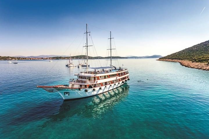 4 Day All Inclusive Cruise from Dubrovnik to Split - Dubrovnik - Barco